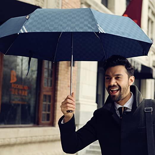 男が日傘をさして何が悪い!日傘によるメリットを徹底解説します。